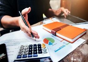 تأثیر ویژگی های حسابرسی داخلی بر اثربخشی کنترل داخلی بر روی عملیات و انطباق (رعایت)