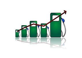 لاریجانی: مجلس مخالف افزایش قیمت بنزین است