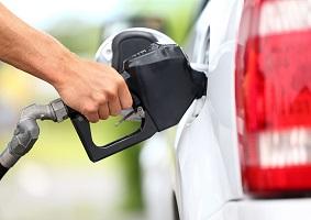 نعمتی: گفتگوی دولت و مجلس در خصوص سهمیهبندی بنزین